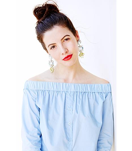 mặc váy nên để kiểu tóc nào