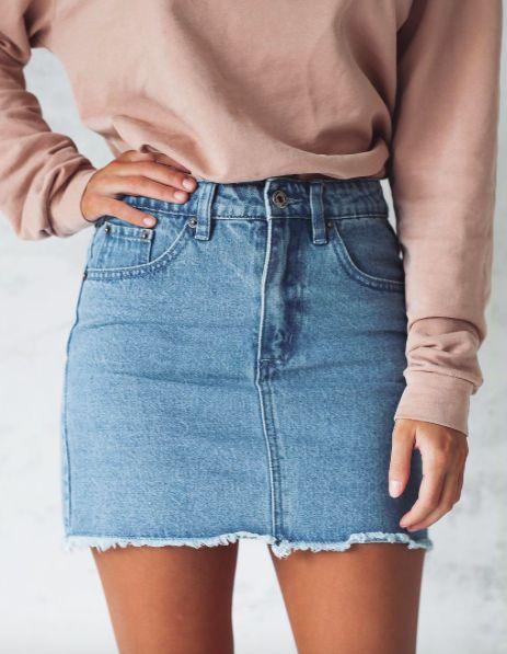 phối đồ với chân váy jean