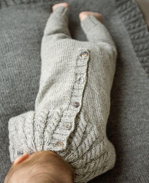 Cách mặc quần áo cho trẻ sơ sinh vào vào mùa đông